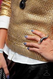 de-repente-tamy-trico-dourado-colar-statement-01